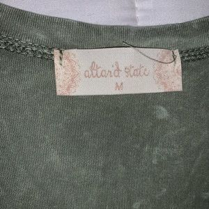 Altar'd State Tops - Altar'd State, pale green top with accents, v-neck